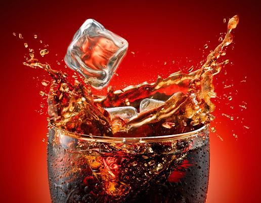 مضررات نوشیدنی های صنعتی