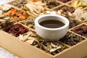 درمان با طب سنتی گیاه درمانی ، ماساژ درمانی و …
